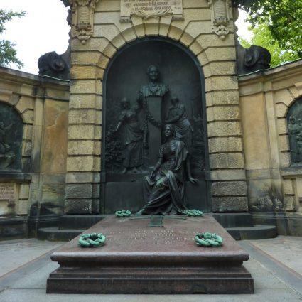 Bienert Grabmal, Dresden