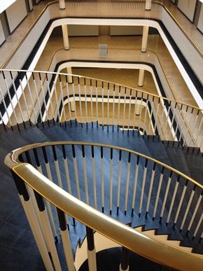 Treppengeländer mit Messinghandlauf: Endzustand