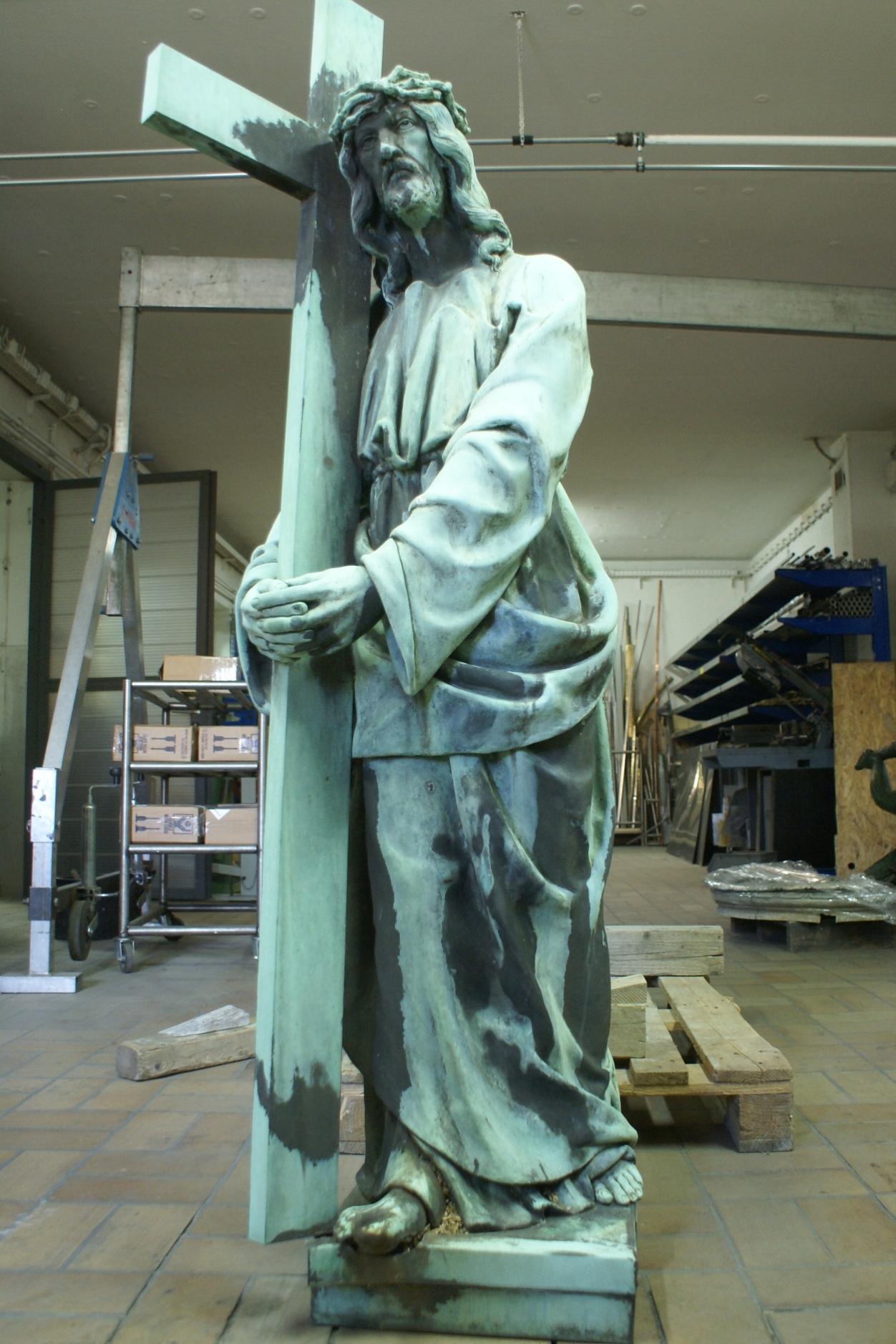Nach der Montage in unserer Restaurierungswerkstatt: Vorzustand