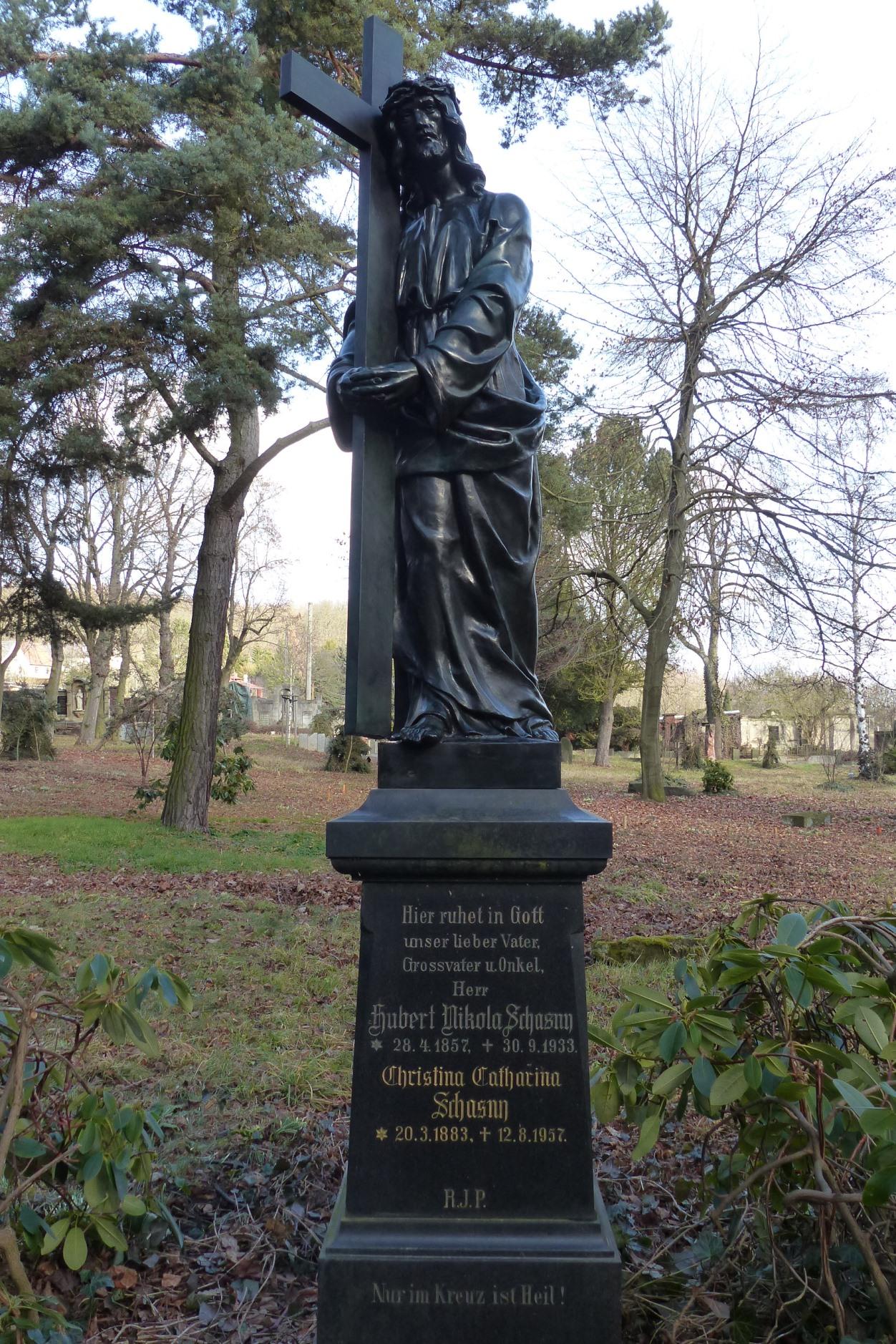 Kerngalvanoplastik Kreuztragender Christus: Endzustand nach der Montage am originalen Standort auf dem Friedhof II in Plauen