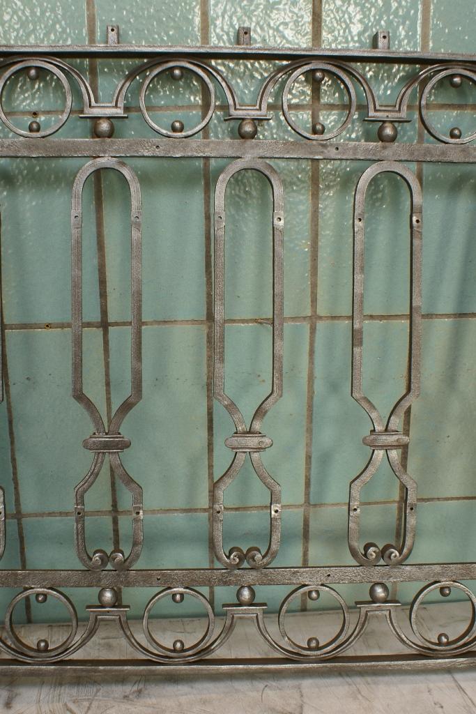 Fenstergitter, Englische Treppe: Zustand nach dem Bad in der Elektrolyse