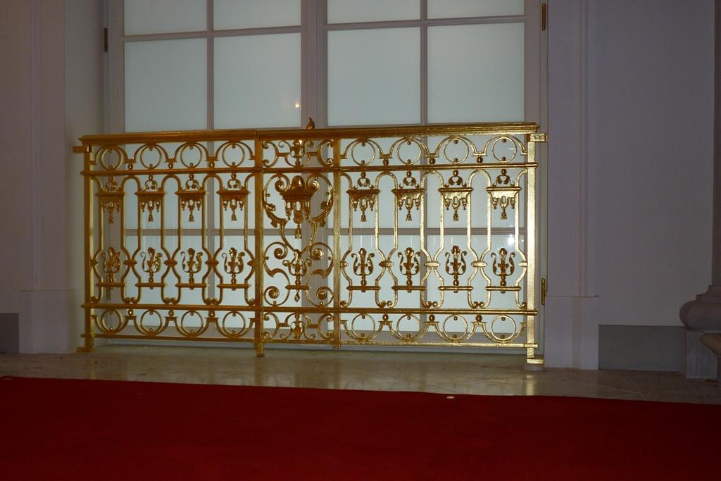Fenstergitter, Englische Treppe: Endzustand