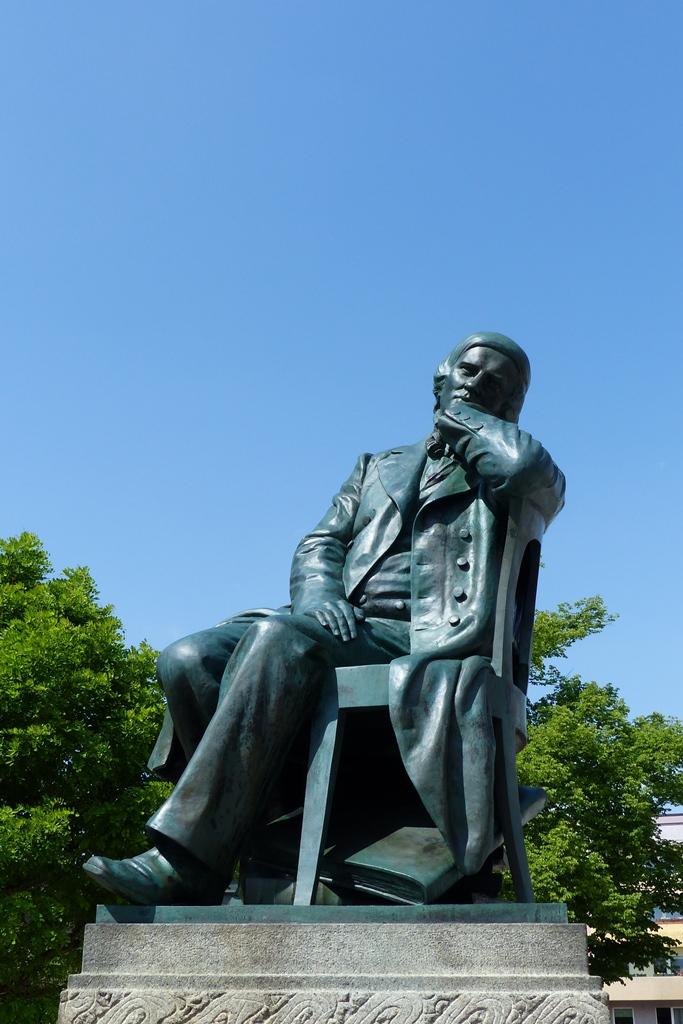 Robert-Schumann-Denkmal, Zwickau: Gesamtansicht, Endzustand