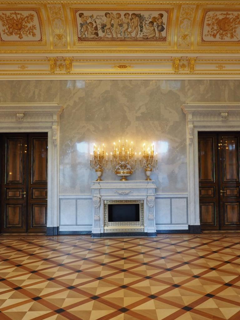Georgenbau Dresdner Schloss, Kleiner Ballsaal: Kaminverblendung, Endzustand