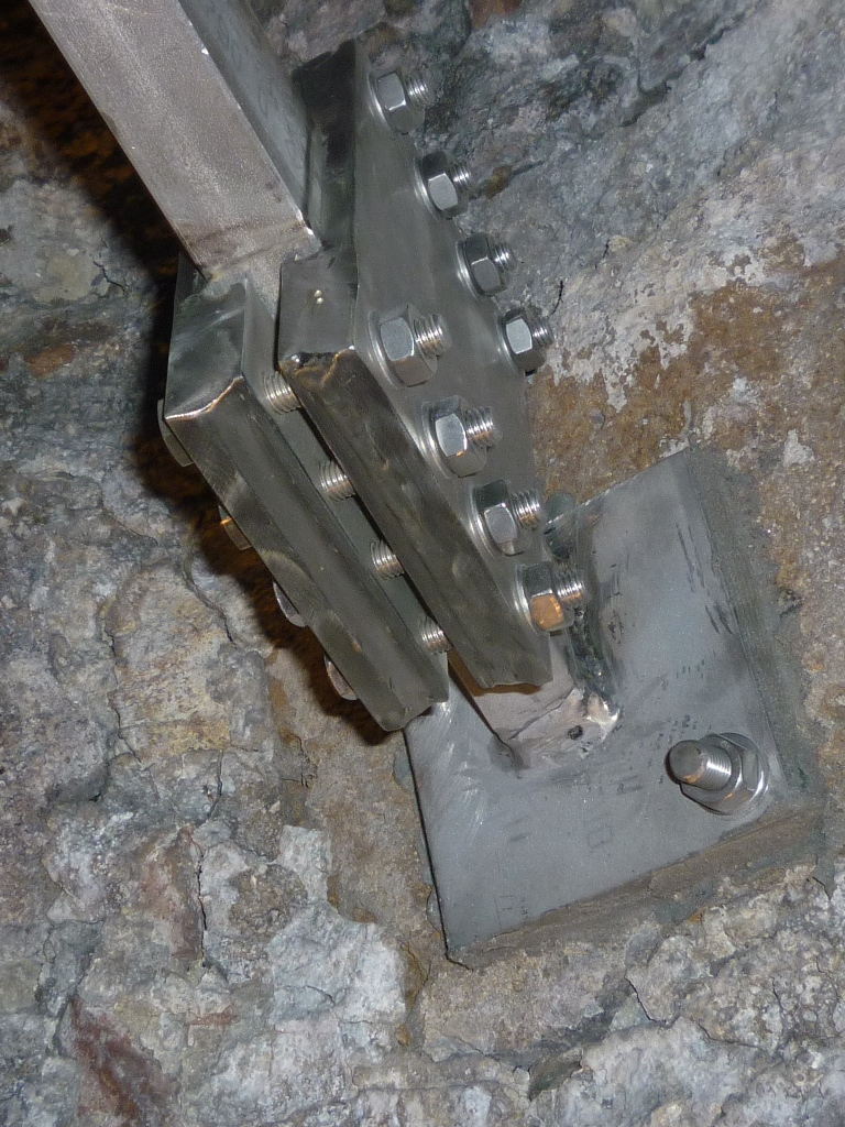 Montage der Turmspitze: Flanschplatte