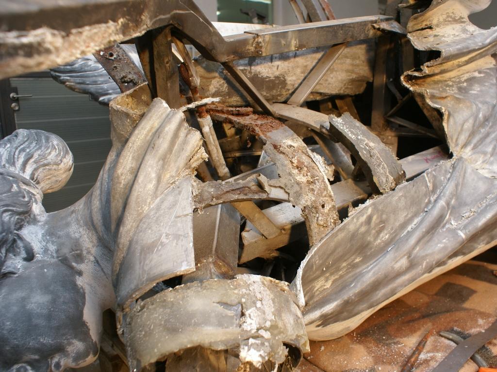 Zinkguss-Plastik Victoria von Leuthen: Zustand während der Demontage